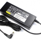 Notebook adapter - Fujitsu Siemens gyári adapter dobozos 19V 4.22A